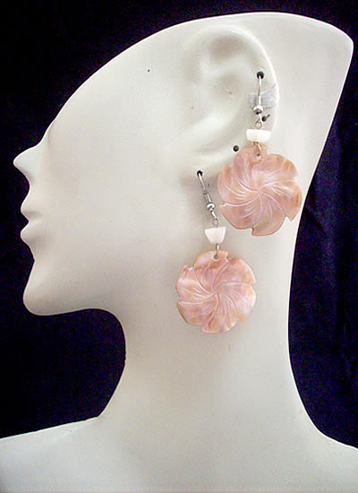 06 Peruvian Mother of Pearl Earrings Natural Color Mixed Images