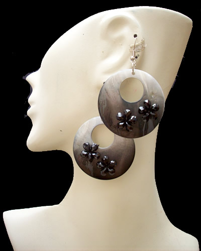 12 Peruvian Wholesale Mother of Pearl Earrings Donuts Design