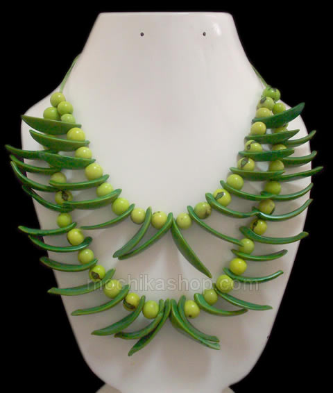 06 Beautiful Necklaces Handmade Palmito Seeds and Acai Beads