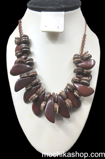 24 Gorgeous Peruvian Necklaces Handcrafted Peak Tagua Seeds and Coconut