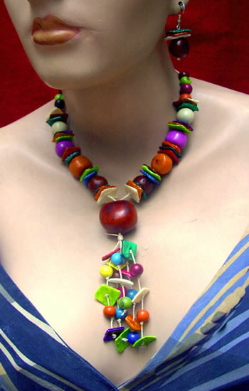 Pretty Wholesale Handmade Tagua Sets Necklaces and Bombona Seed