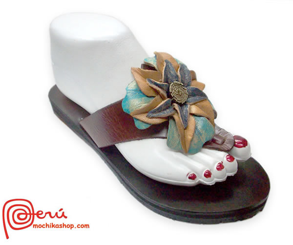Beautiful Peruvian Andean Leather Sandals Center Flower Model 04