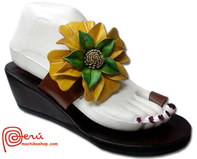 Pretty Peruvian Andean Leather Sandals Side Flower Model 01