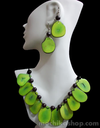 14 Wholesale Tagua Sets Necklaces Flat Seeds Design