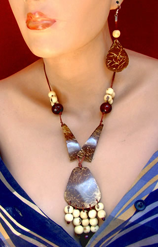 Peruvian Coconut Sets Necklaces and Acai Seeds Natural Color
