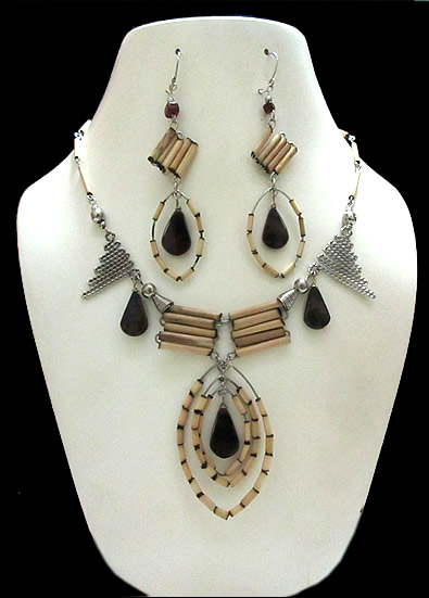 12 Pretty Peruvian Handmade Bamboo Sets Necklaces