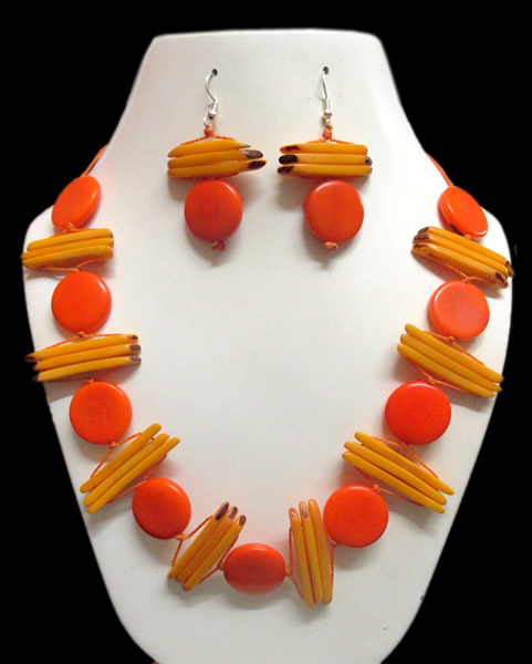06 Pretty Wholesale Handmade Tagua Sets Necklaces Button Design