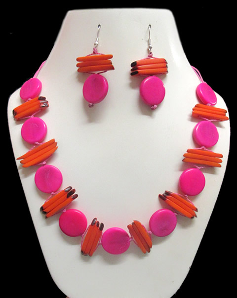 Lot 24 Wholesale Handmade Tagua Sets Necklaces Button Design