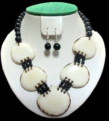 04 Peruvian Wholesale Set Tagua Necklaces Assorted Models